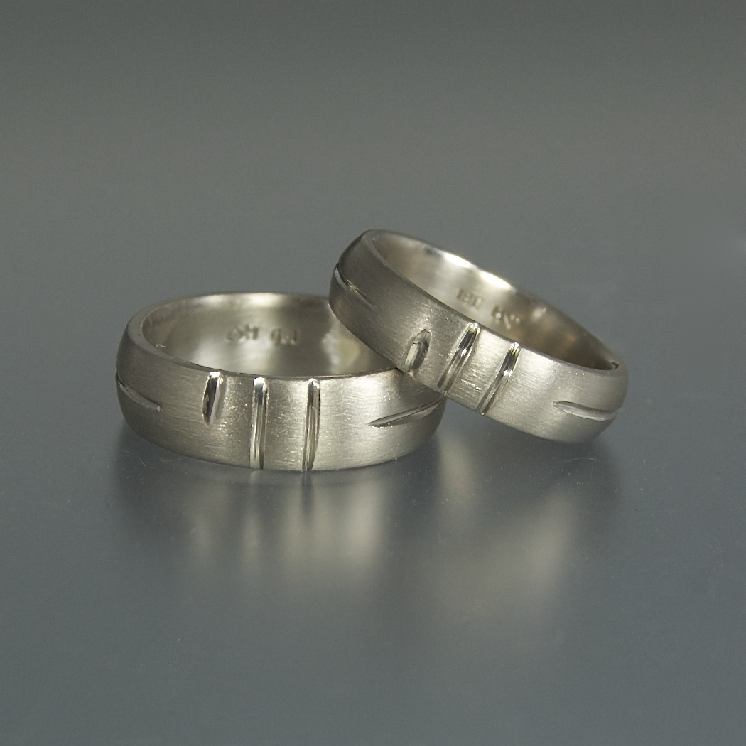 """The Kiss"" rings"
